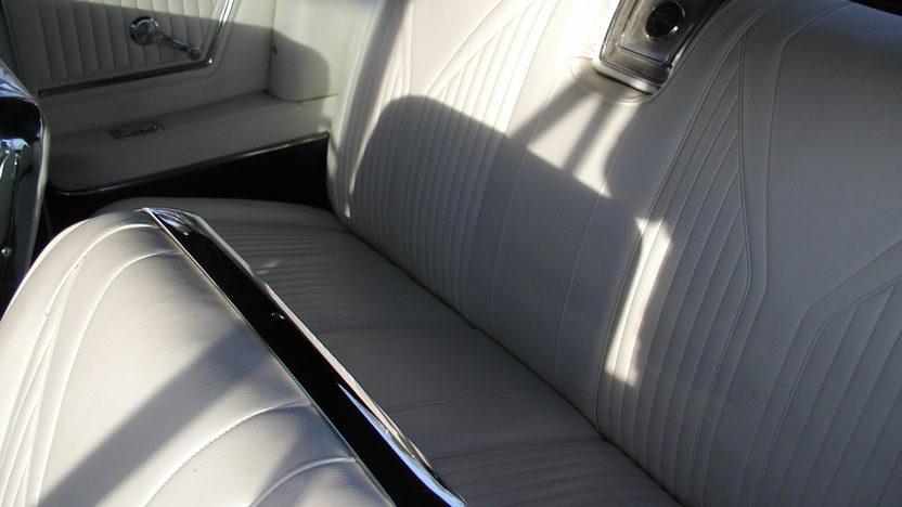 1965 Chevrolet Impala SS Convertible 409/400 HP, 4-Speed presented as lot F192 at Kansas City, MO 2010 - image6