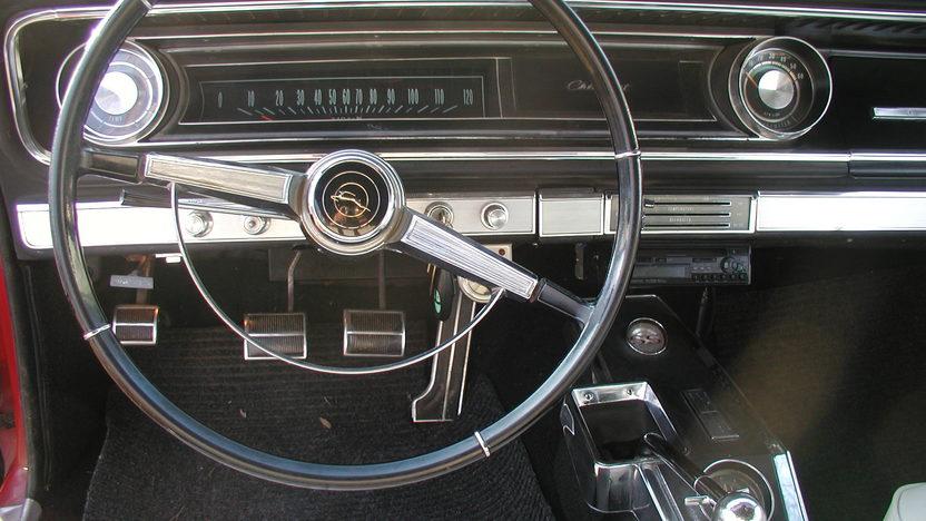 1965 Chevrolet Impala SS Convertible 409/400 HP, 4-Speed presented as lot F192 at Kansas City, MO 2010 - image7