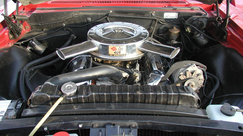 1965 Chevrolet Impala SS Convertible 409/400 HP, 4-Speed presented as lot F192 at Kansas City, MO 2010 - image8