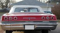 1965 Chevrolet Impala SS Convertible 409/400 HP, 4-Speed presented as lot F192 at Kansas City, MO 2010 - thumbail image3