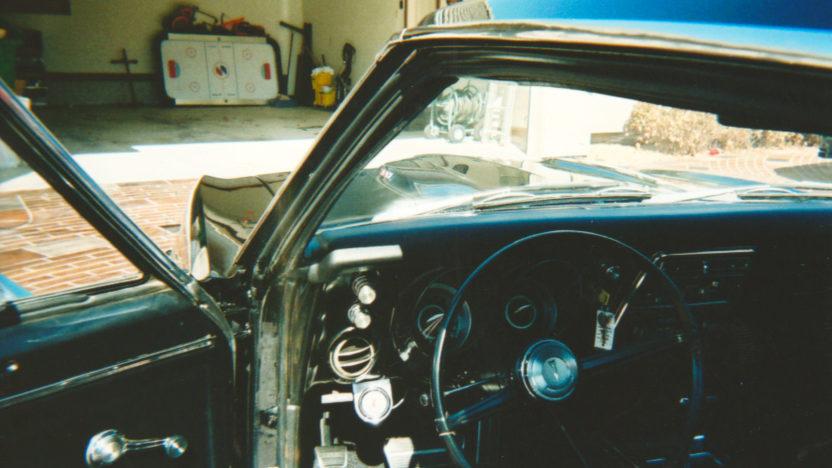 1967 Pontiac Firebird presented as lot F194 at Kansas City, MO 2010 - image4
