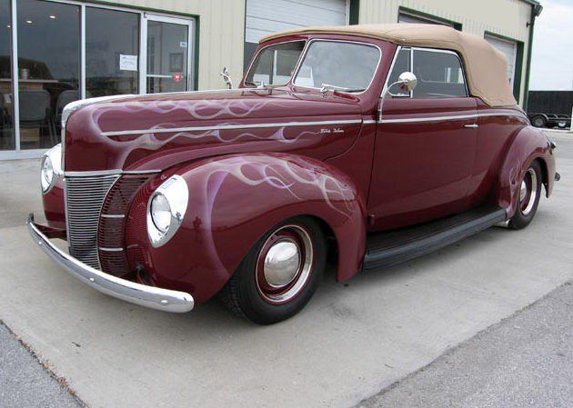 1940 Ford Custom Deluxe Street Rod Automatic presented as lot F199 at Kansas City, MO 2010 - image2