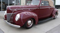 1940 Ford Custom Deluxe Street Rod Automatic presented as lot F199 at Kansas City, MO 2010 - thumbail image2