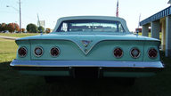1961 Chevrolet Impala Convertible 283/230 HP, 3-Speed Automatic presented as lot F201 at Kansas City, MO 2010 - thumbail image5