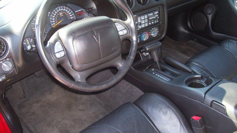 2000 Pontiac Firebird 2-Door presented as lot F220 at Kansas City, MO 2010 - image4