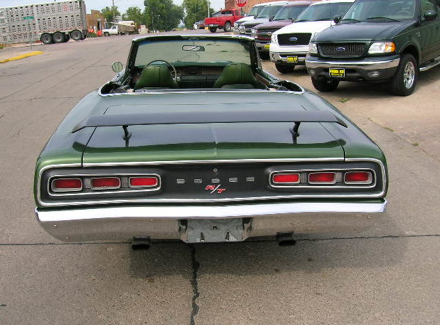 1970 Dodge Coronet R/T Replica 383 CI, Automatic presented as lot F228 at Kansas City, MO 2010 - image2