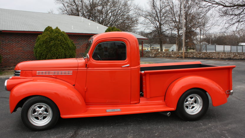1946 Chevrolet  Pickup Automatic presented as lot F239 at Kansas City, MO 2010 - image6