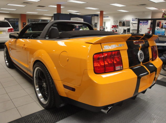 2008 Shelby GT 500 Convertible 500 HP, 6-Speed   presented as lot F246 at Kansas City, MO 2010 - image2