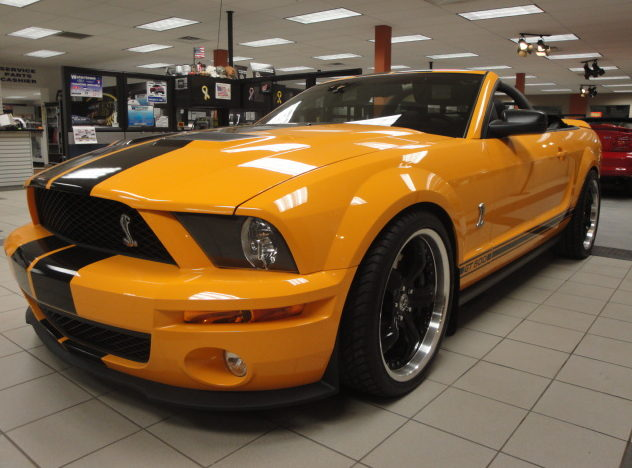 2008 Shelby GT 500 Convertible 500 HP, 6-Speed   presented as lot F246 at Kansas City, MO 2010 - image3