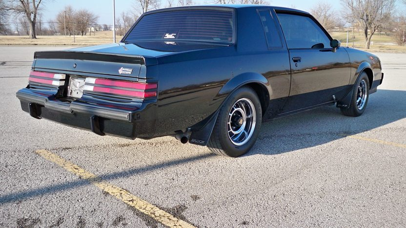 1987 Buick Grand National 2-Door Automatic presented as lot F249 at Kansas City, MO 2010 - image3