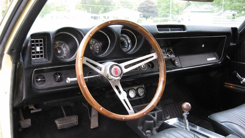 1968 Oldsmobile Cutlass 442 400 CI, Automatic presented as lot S8 at Kansas City, MO 2010 - image4