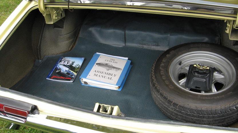 1968 Oldsmobile Cutlass 442 400 CI, Automatic presented as lot S8 at Kansas City, MO 2010 - image7