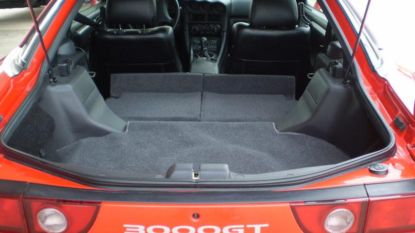 1998 Mitsubishi 3000 GT Coupe 5-Speed  presented as lot S9 at Kansas City, MO 2010 - image6