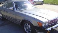 1988 Mercedes-Benz 560SL Convertible Automatic presented as lot S10 at Kansas City, MO 2010 - thumbail image7