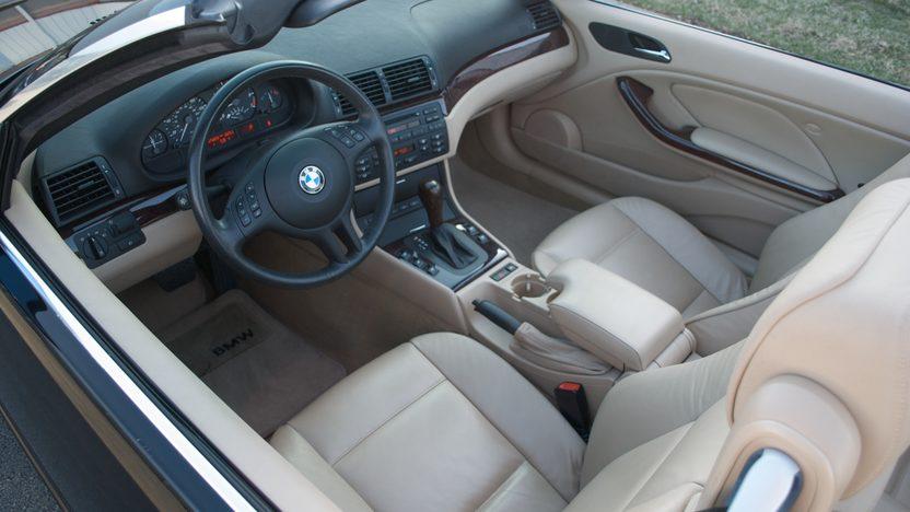 2006 BMW 325 CI Convertible presented as lot S20 at Kansas City, MO 2010 - image2