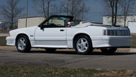 1991 Ford Mustang Convertible 225 HP, 4-Speed Automatic presented as lot S33 at Kansas City, MO 2010 - thumbail image2