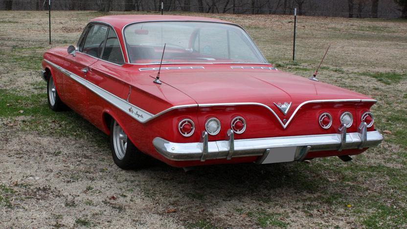 1961 Chevrolet Impala Bubble Top 2-Door 4-Speed presented as lot S170 at Kansas City, MO 2010 - image2
