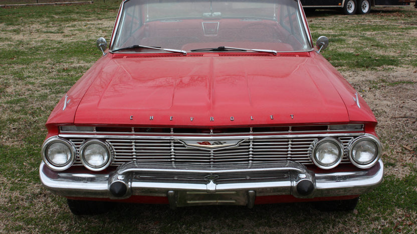 1961 Chevrolet Impala Bubble Top 2-Door 4-Speed presented as lot S170 at Kansas City, MO 2010 - image3