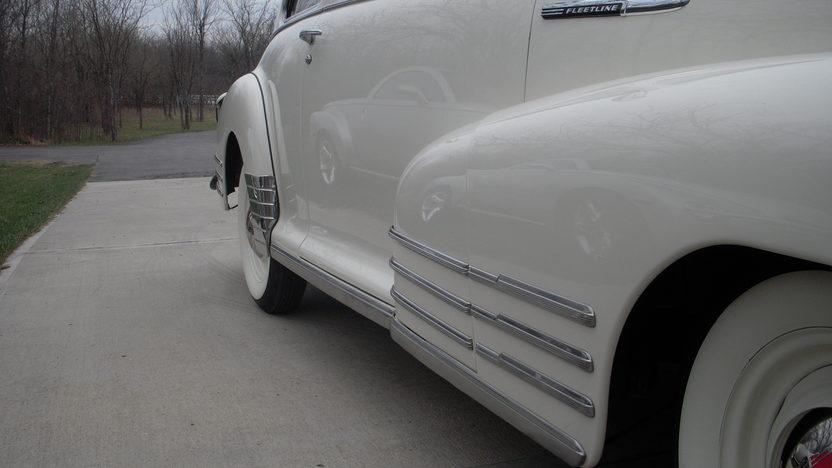 1948 Chevrolet Aero 2-Door Sedan 3-Speed  presented as lot S175 at Kansas City, MO 2010 - image5
