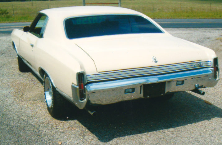 1972 Chevrolet Monte Carlo 2-Door 350 CI, Automatic presented as lot S176 at Kansas City, MO 2010 - image2