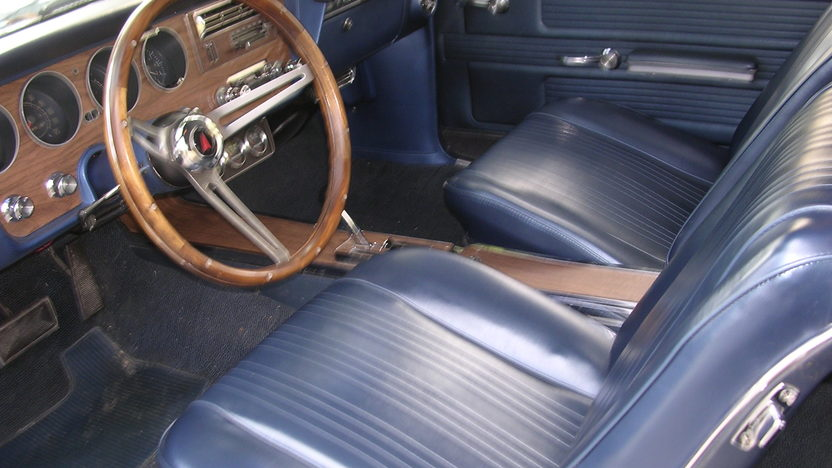 1967 Pontiac GTO 2 Door 400 CI presented as lot S200 at Kansas City, MO 2010 - image5