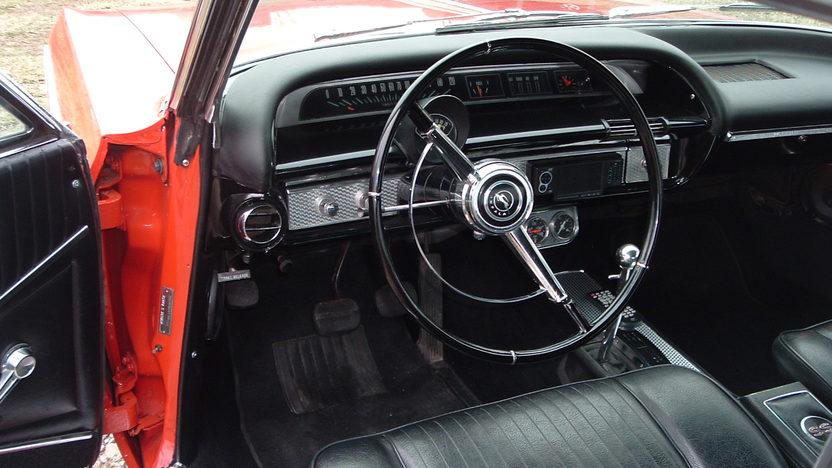 1964 Chevrolet Impala SS 2-Door Hardtop 409/425 HP, 4-Speed  presented as lot S204 at Kansas City, MO 2010 - image4