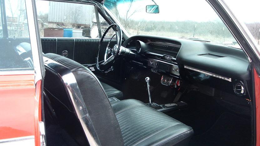 1964 Chevrolet Impala SS 2-Door Hardtop 409/425 HP, 4-Speed  presented as lot S204 at Kansas City, MO 2010 - image5