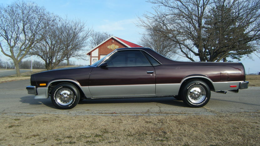1986 Chevrolet El Camino SS 2-Door Hatchback 305 CI, Automatic presented as lot S230 at Kansas City, MO 2010 - image3