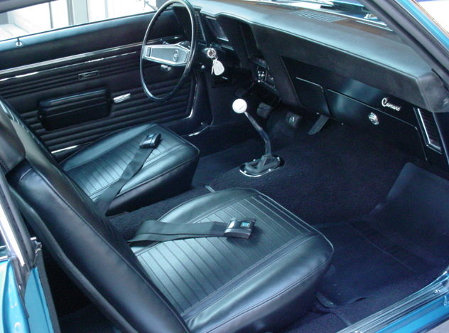 1969 Chevrolet Camaro Z-28 302/290 HP, 4-Speed  presented as lot S108 at Kansas City, MO 2010 - image4