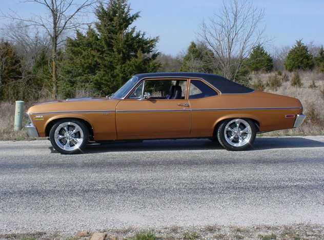 1972 Chevrolet Nova SS 2-door 383/425 HP, 5-Speed   presented as lot S115 at Kansas City, MO 2010 - image4