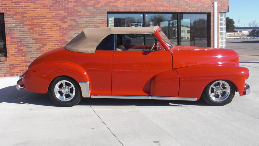 1948 Chevrolet Club Cabriolet Replica 350/300 HP, Automatic presented as lot S124 at Kansas City, MO 2010 - image2