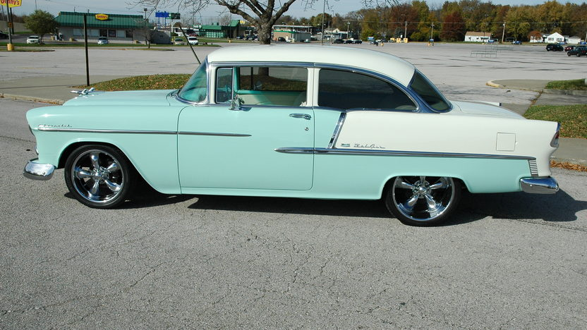 1955 Chevrolet Bel Air 2-Door 350/375 HP, 5-Speed  presented as lot S125 at Kansas City, MO 2010 - image3