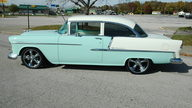 1955 Chevrolet Bel Air 2-Door 350/375 HP, 5-Speed  presented as lot S125 at Kansas City, MO 2010 - thumbail image3
