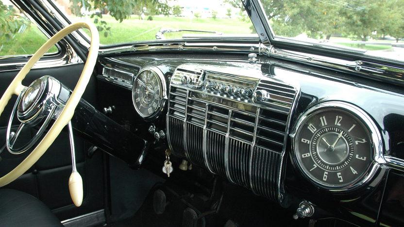1941 Cadillac Series 41 Limousine presented as lot S130 at Kansas City, MO 2010 - image3