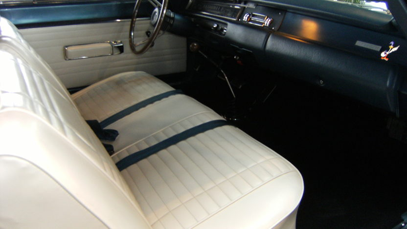 1969 Plymouth Road Runner Convertible 383/335 HP, 4-Speed  presented as lot S137 at Kansas City, MO 2010 - image5