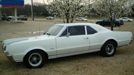 1967 Oldsmobile Cutlass Supreme Coupe 350 CI, 4-Speed  presented as lot S148 at Kansas City, MO 2010 - thumbail image2