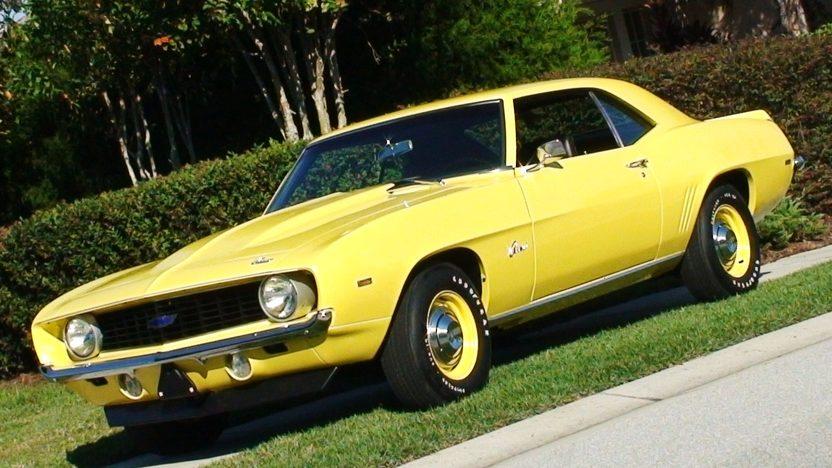 1969 Chevrolet Camaro 427/430 HP, 4-Speed presented as lot S150 at Kansas City, MO 2010 - image2
