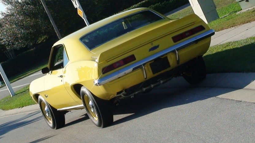 1969 Chevrolet Camaro 427/430 HP, 4-Speed presented as lot S150 at Kansas City, MO 2010 - image3
