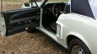 1968 Ford Mustang Challenger Coupe 302/230 HP, 3-Speed presented as lot S101 at Kansas City, MO 2010 - thumbail image5