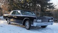 1965 Lincoln Continental 4-Door Sedan 430 CI, Automatic presented as lot S135 at Kansas City, MO 2010 - thumbail image2
