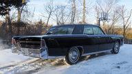 1965 Lincoln Continental 4-Door Sedan 430 CI, Automatic presented as lot S135 at Kansas City, MO 2010 - thumbail image3