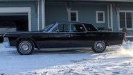 1965 Lincoln Continental 4-Door Sedan 430 CI, Automatic presented as lot S135 at Kansas City, MO 2010 - thumbail image4