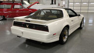 1989 Pontiac Trans Am 2-Door 250 HP, Automatic presented as lot S111 at Kansas City, MO 2010 - thumbail image3