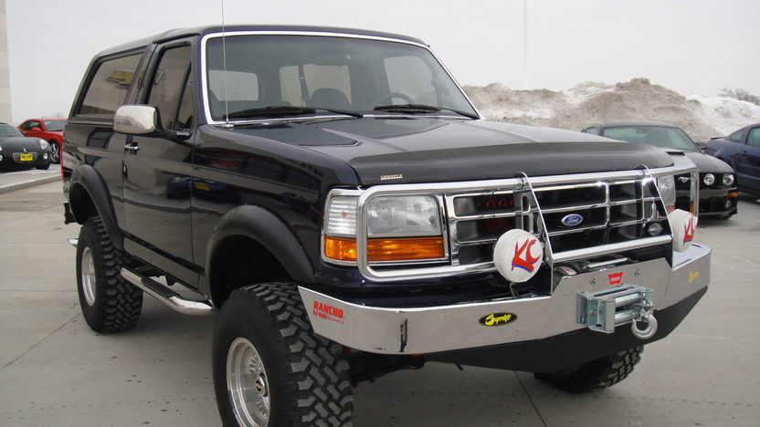 1992 Ford Bronco 4x4 Eddie Bauer Edition 500+ HP, Automatic presented as lot F150.1 at Kansas City, MO 2010 - image3