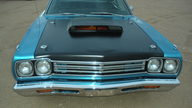 1969 Plymouth Road Runner 440 CI, 4-Speed presented as lot S75.1 at Kansas City, MO 2010 - thumbail image2