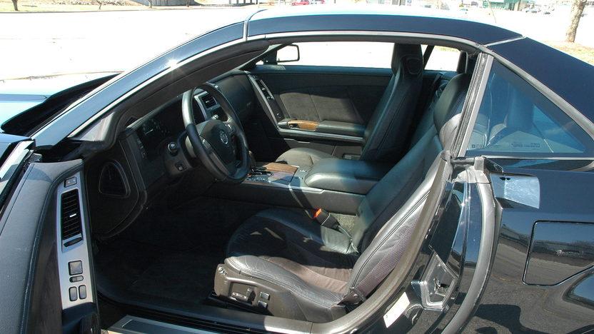 2007 Cadillac XLR Supercharged Automatic presented as lot F92 at Kansas City, MO 2010 - image3