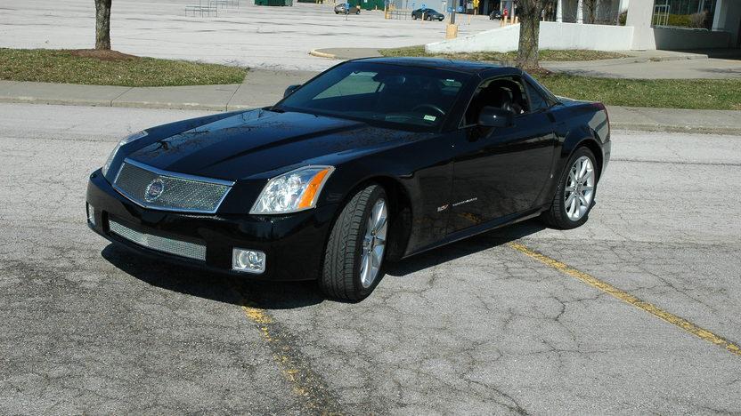 2007 Cadillac XLR Supercharged Automatic presented as lot F92 at Kansas City, MO 2010 - image6