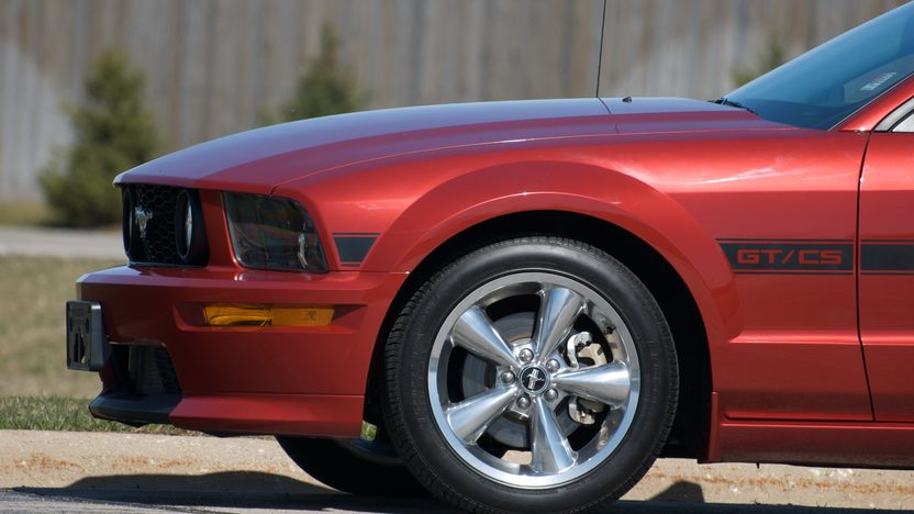 2008 Ford Mustang C/S 465 HP, 4-Speed Automatic presented as lot F214.1 at Kansas City, MO 2010 - image3