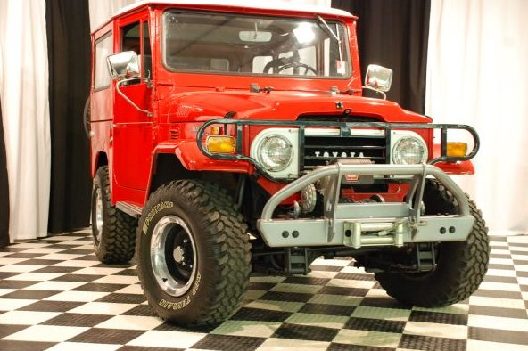 1971 Toyota Land Cruiser 3-Speed  presented as lot S123.1 at Kansas City, MO 2010 - image2