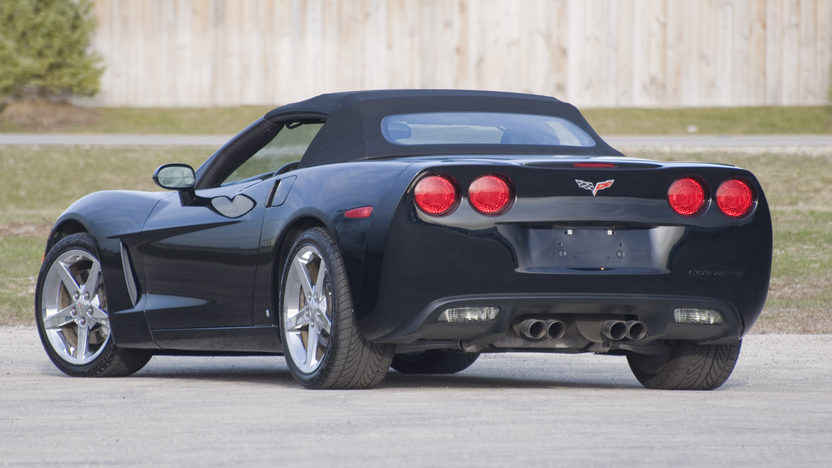 2007 Chevrolet Corvette Convertible 400 HP, Automatic presented as lot S157.1 at Kansas City, MO 2010 - image3